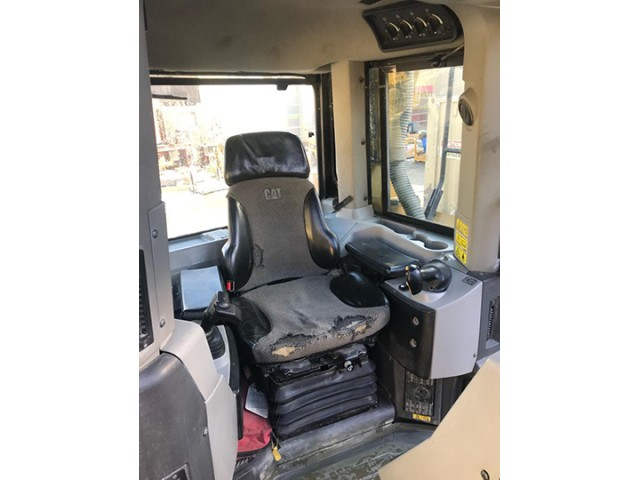 2012 Caterpillar D8T For Sale in Vancouver, British Columbia, Canada