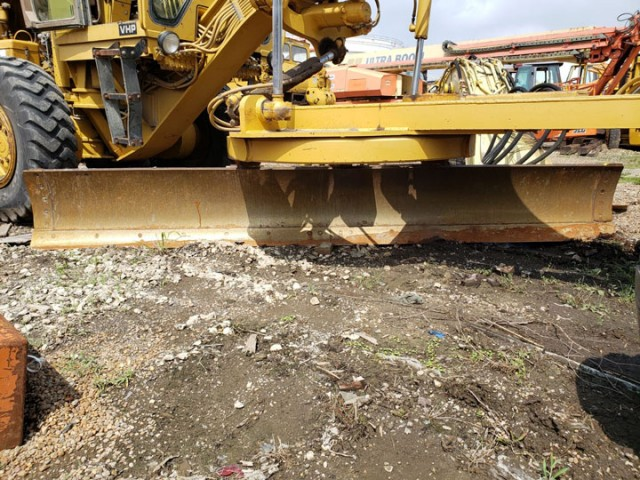 1990 Caterpillar 140G For Sale in Houston, Texas, USA