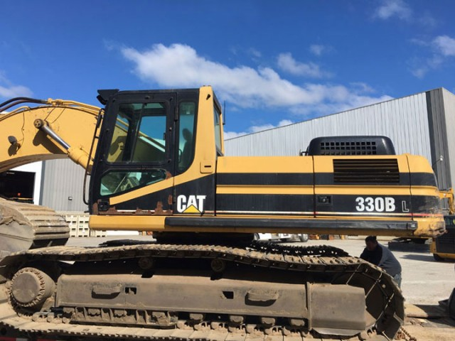 2002 Caterpillar 330BL For Sale in New York City, New York, USA