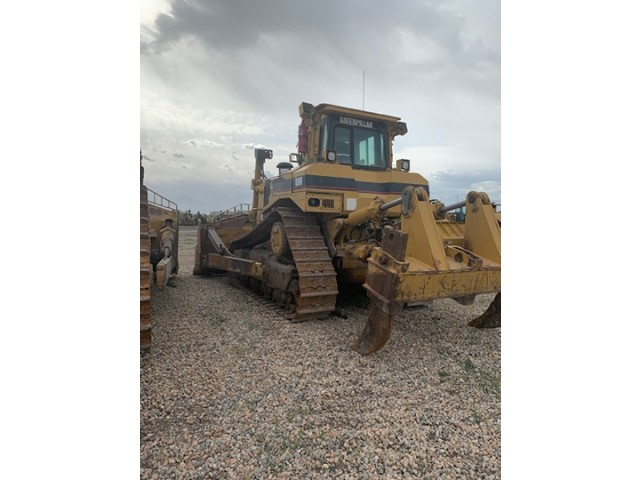 2002 Caterpillar D8R II For Sale in Houston, Texas, USA